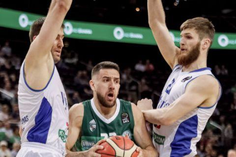 """Με """"περίπατο"""" στα playoffs η Ζάλγκιρις, 109-52 την Βιτάουτας"""