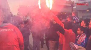 Ολυμπιακός: Υποδοχή με καπνογόνα στο Αγρίνιο