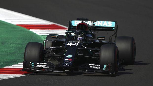 GP Ρωσίας: Ξανά στην pole position ο Χάμιλτον