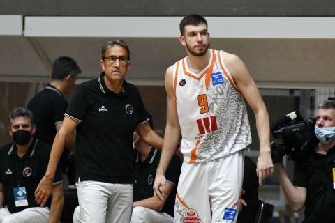 Ο Νίκος Ρογκαβόπουλος με τον Λούις Κασιμίρο