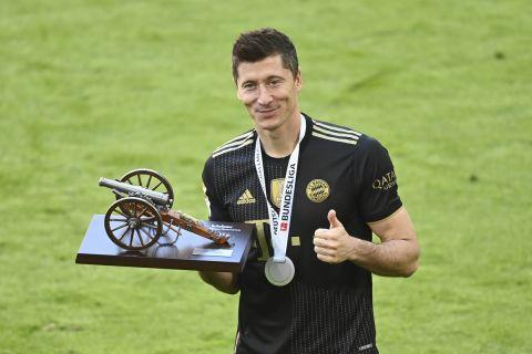 Ο Λεβαντόβσκι κρατάει τον τίτλο για τον πρώτο σκόρερ της Bundesliga
