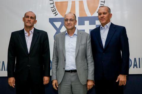 Οι πρόεδροι της ΚΑΕ Ολυμπιακός με τον νέο πρόεδρο της ΕΟΚ, Βαγγέλη Λιόλιο