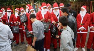Οι παίκτες του ΟΦΗ ντύθηκαν Αγιοβασίληδες και προσέφεραν δώρα σε παιδιά