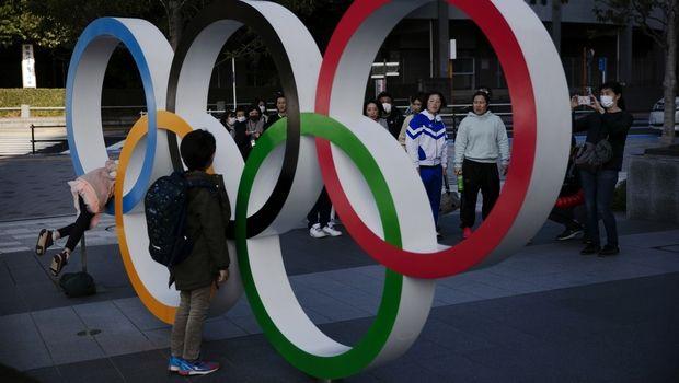 """Μούτο: """"Να διεξάγουμε τους Ολυμπιακούς, να μάθουμε να ζούμε με τον κορονοϊό"""""""