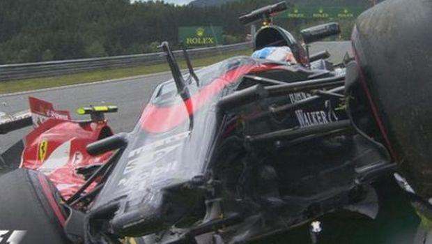 Τρομακτικό ατύχημα με Alonso-Raikkonen