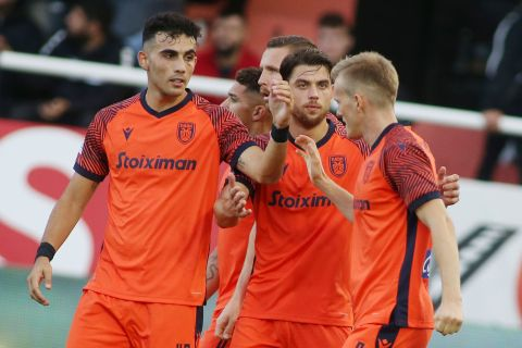 Οι παίκτες του ΠΑΟΚ πανηγυρίζουν το γκολ που σημείωσαν κόντρα στον ΟΦΗ