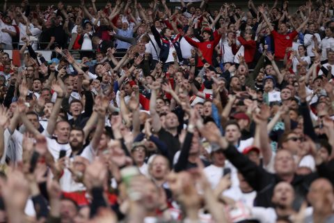 Οπαδοί της Αγγλίας στις εξέδρες του Γουέμπλεϊ στον τελικό του Euro 2020 απέναντι στην Ιταλία | 11 Ιουλίου 2021
