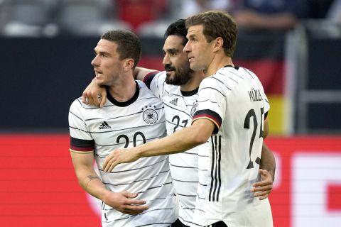 Οι παίκτες της Γερμανίας πανηγυρίζουν γκολ κόντρα στη Λετονία σε φιλικό πριν το Euro 2020.