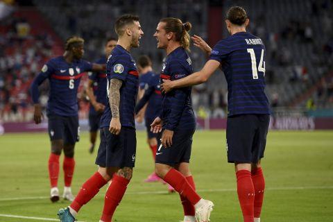 Οι παίκτες των Γάλλων πανηγυρίζουν το γκολ επί της Γερμανίας στο Euro 2020 | 15 Ιουνίου 2020