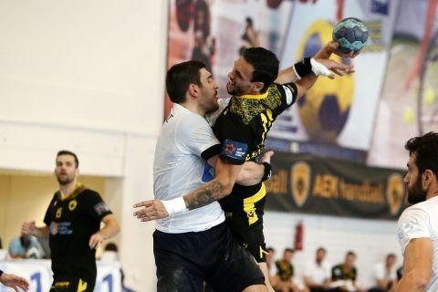 Handball Premier: Εύκολα η ΑΕΚ, 31-22 το Δούκα πριν τον Ολυμπιακό
