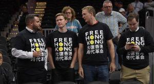 Γουίζαρντς – Λονγκ Λάιονς: Διαδηλωτές υπέρ του Χονγκ Κονγκ στο γήπεδο