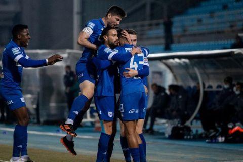 Οι παίκτες του ΠΑΣ Γιάννινα πανηγυρίζουν το γκολ επί του Παναθηναϊκού