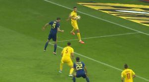 Ρουμανία – Σουηδία: Υπέροχο γκολ του Μπεργκ με κεφαλιά
