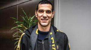 """Στην Αθήνα ο Ζήσης: """"Είναι φοβερό που γυρίζω στην Ελλάδα για την ΑΕΚ"""""""