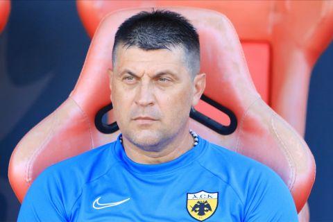 Ο προπονητής της ΑΕΚ, Βλάνταν Μιλόγεβιτς
