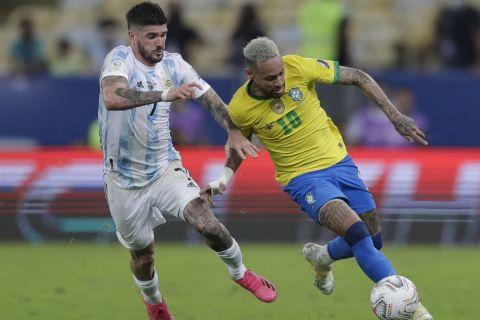 Ο Ντε Πολ μαρκάει τον Νεϊμάρ στη διάρκεια του τελικού του Copa America   10 Ιουλίου 2021
