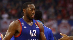 Ο Ντάνστον ξεπέρασε τον Μπουρούση, δεύτερος μπλοκέρ στην ιστορία της EuroLeague