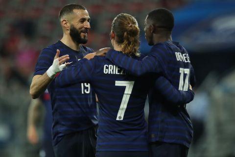 Μπενζεμά, Γκριεζμάν και Ντεμπελέ πανηγυρίζουν τη νίκη της Γαλλίας επί της Ουαλίας