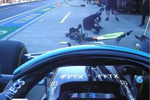 Ο Λιούις Χάμιλτον ρίχνει κάτω με το μονοθέσιό του έναν μηχανικό στα δοκιμαστικά του GP Ρωσίας