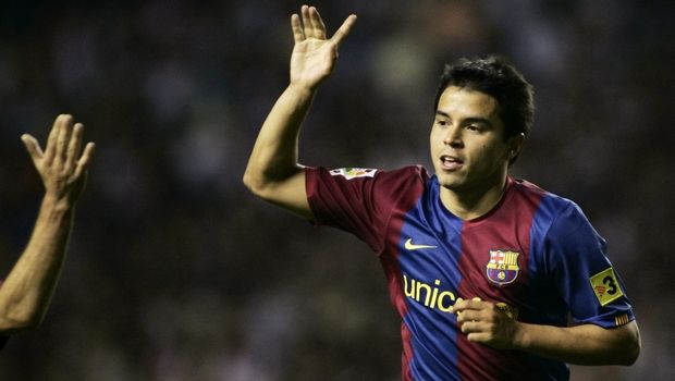 F.C. Barcelona player Javier Saviola celebrates after scoring a goal during his Spanish league soccer match against Athletico de Bilbao at the San Mames Stadium in Bilbao, Saturday, Sept. 30, 2006. (AP Photo/Juan Manuel Serrano)