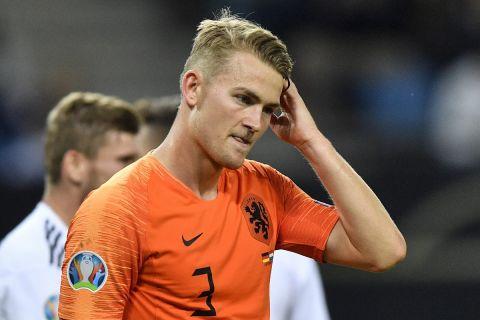 Ο Ματάις Ντε Λιχτ με τη φανέλα της εθνικής Ολλανδίας σε αγώνα κόντρα στην Γερμανία για τα προκριματικά του Euro 2020 (6 Σεπτεμβρίου 2019)