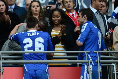 LONDON, ENGLAND - MAY 05:  Fabrice Muamba of Bolton congratulates John Terry and Frank Lampard  of Chelsea during the FA Cup with Budweiser Final match between Liverpool and Chelsea at Wembley Stadium on May 5, 2012 in London, England.  (Photo by Shaun Botterill/Getty Images)