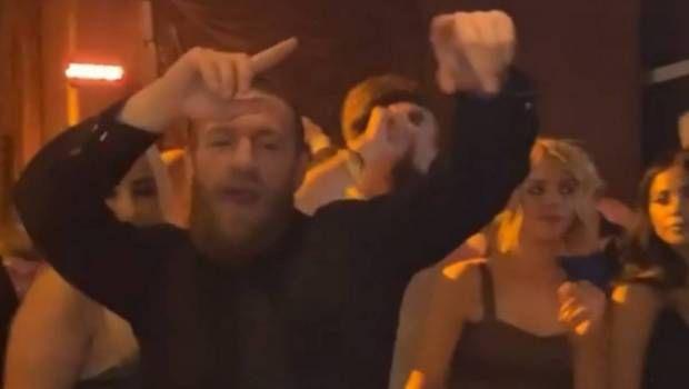Conor McGregor: Ο ξέφρενος χορός του Ιρλανδού στο πάρτι της νίκης