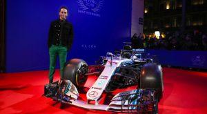 Χάμιλτον και Mercedes πήραν τα τρόπαια του πρωταθλητή