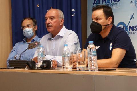Οι Κυριάκος Γιαννόπουλος, Θοδωρής Βλάχος και Γιώργος Μαυρωτάς σε συνέντευξη Τύπου μετά την επιστροφή της Εθνικής ομάδας πόλο από τους Ολυμπιακούς Αγώνες του Τόκιο