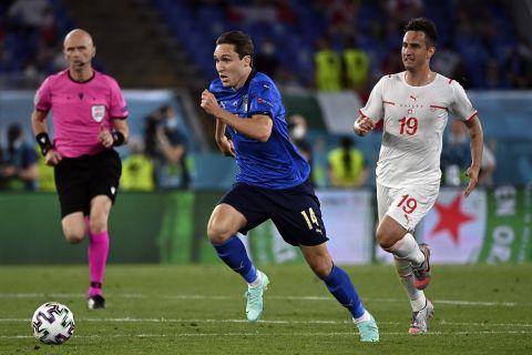 Ο Φεντερίκο Κιέζα με τη φανέλα της Ιταλίας σε ματς κόντρα στην Ελβετία για το Euro 2020
