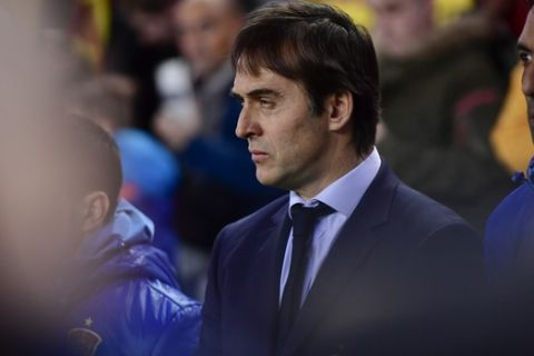 Spains head manager Julen Lopetegui, during a 2018 World Cup Group G qualifying soccer match between Spain and Israel, at El Molinon Stadium, in Gijon, northern Spain, Friday, March 24, 2017. (AP Photo/Alvaro Barrientos)