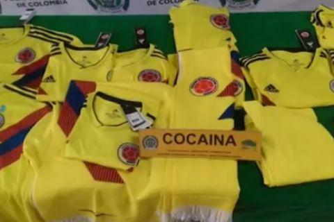 VIDEO: Ιδού οι φανέλες της Κολομβίας που έκρυβαν πέντε κιλά κοκαΐνης