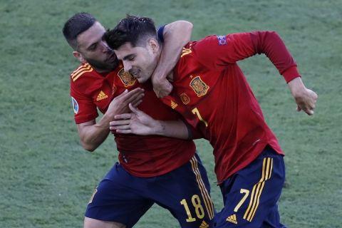 Ο Άλβαρο Μοράτα πανηγυρίζει το γκολ του στο Ισπανία - Πολωνία για τους ομίλους του Euro 2020.
