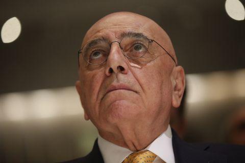 Ο Αντριάνο Γκαλιάνι