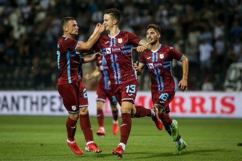 Οι παίκτες της Ριέκα πανηγυρίζουν γκολ κόντρα στον ΠΑΟΚ για τα play offs του Europa Conference League