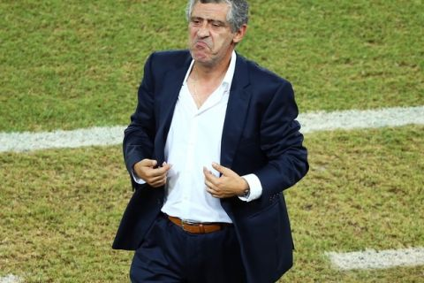 NATAL, BRAZIL - JUNE 19: Head coach Fernando Santos of Greece reacts during the 2014 FIFA World Cup Brazil Group  C match between Japan and Greece at Estadio das Dunas on June 19, 2014 in Natal, Brazil.  (Photo by Robert Cianflone/Getty Images)