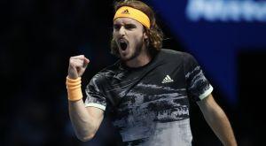 Μυθικός Τσιτσιπάς νίκησε τον Φέντερερ και προκρίθηκε στον τελικό