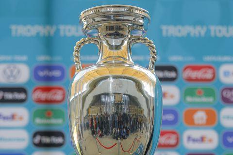 Το τρόπαιο του Ευρωπαϊκού Πρωταθλήματος