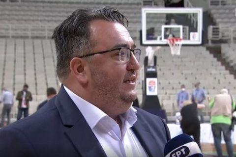 Ο Τάκης Τριαντόπουλος εν ώρα δηλώσεων στην ΕΡΤ