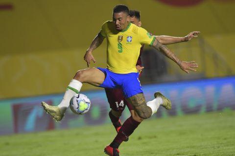 Ο Γκαμπριέλ Ζεζούς με τη φανέλα της Εθνικής Βραζιλίας στα προκριματικά του Παγκοσμίου Κυπέλλου