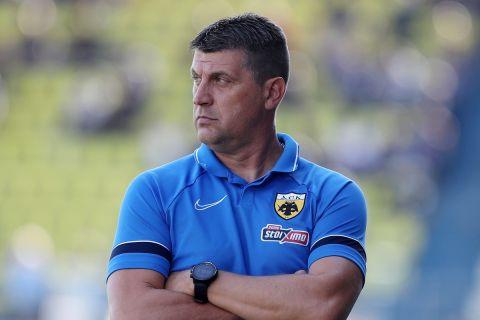 Ο Βλάνταν Μιλόγεβιτς στη διάρκεια του αγώνα Παναιτωλικός - ΑΕΚ | 3 Οκτωβρίου 2021