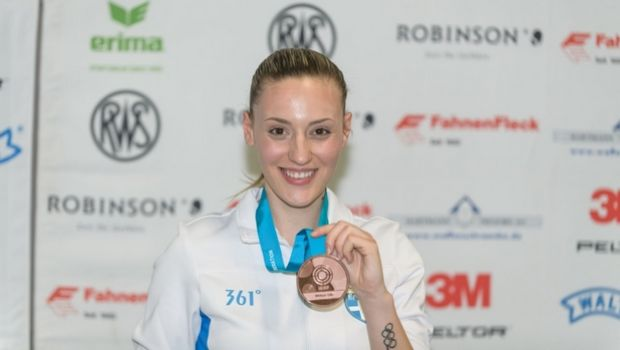Χάλκινο μετάλλιο και βραβείο για την Κορακάκη