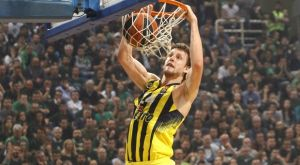 EuroLeague: Υποψήφιος για την ομάδα της 10ετίας ο Βέσελι