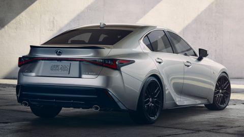 Ακρως ελκυστική η νέα Lexus IS