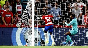 La Liga: Νέο κάζο εκτός για Μπαρτσελόνα και κορυφή η Γρανάδα