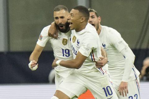 Μπενζεμά και Εμπαπέ πανηγυρίζουν για την ανατροπή της Γαλλίας στον τελικό του Nations League