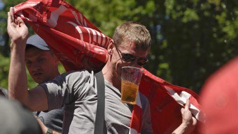 Οι καλύτερες εικόνες από τους φιλάθλους Ρεάλ και Λίβερπουλ στο Κίεβο