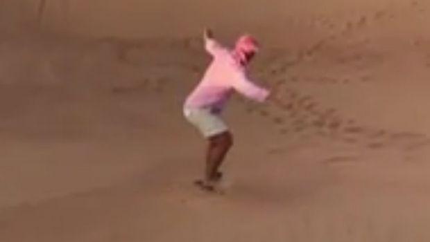 Ο Ποντένσε έφαγε χώμα, κάνοντας... σερφ στην έρημο!