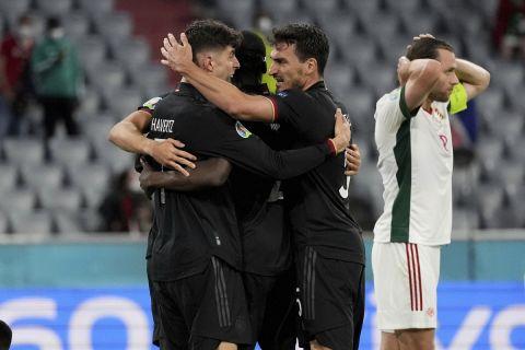 Η Εθνική ομάδα της Γερμανίας πανηγυρίζει κόντρα στην Ουγγαρία