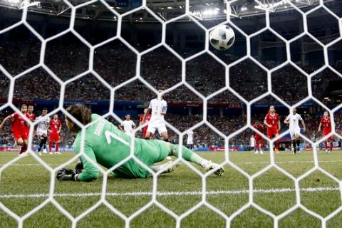Costa Rica's Bryan Ruiz scores his side' second goal on a penalty, during the group E match between Switzerland and Costa Rica, at the 2018 soccer World Cup in the Nizhny Novgorod Stadium in Nizhny Novgorod, Russia, Wednesday, June 27, 2018. (AP Photo/Natacha Pisarenko)